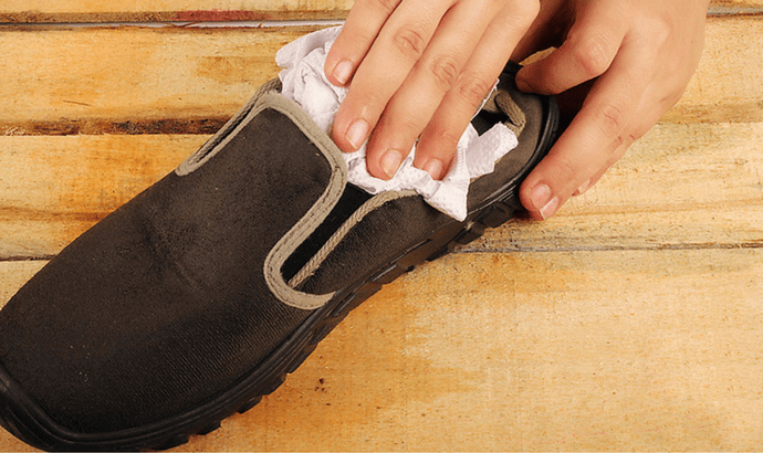 How To Clean Shoes With Soaps